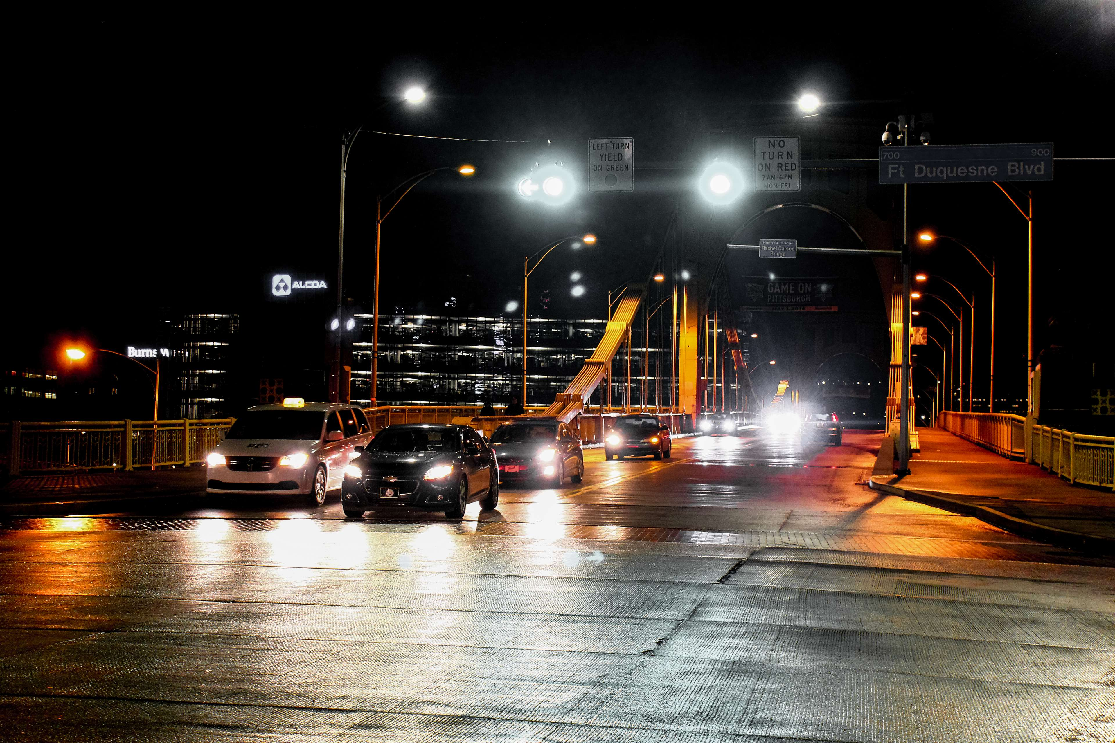 3049362-bridge_cars_city_dark_night_night-lights_road_street